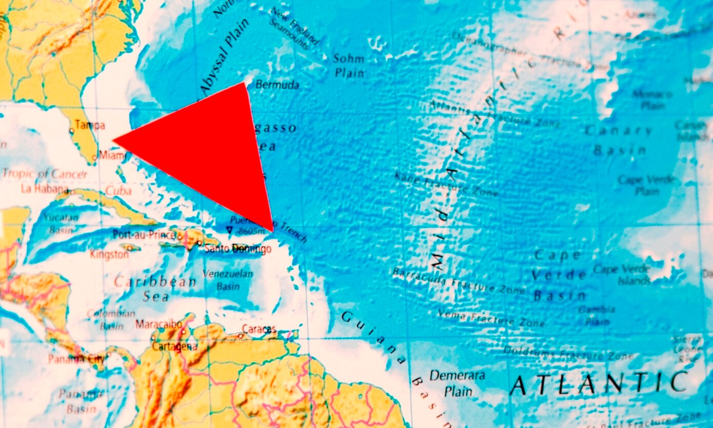 Map of Bermuda Triangle in Atlantic Ocean, with red triangle marking out location