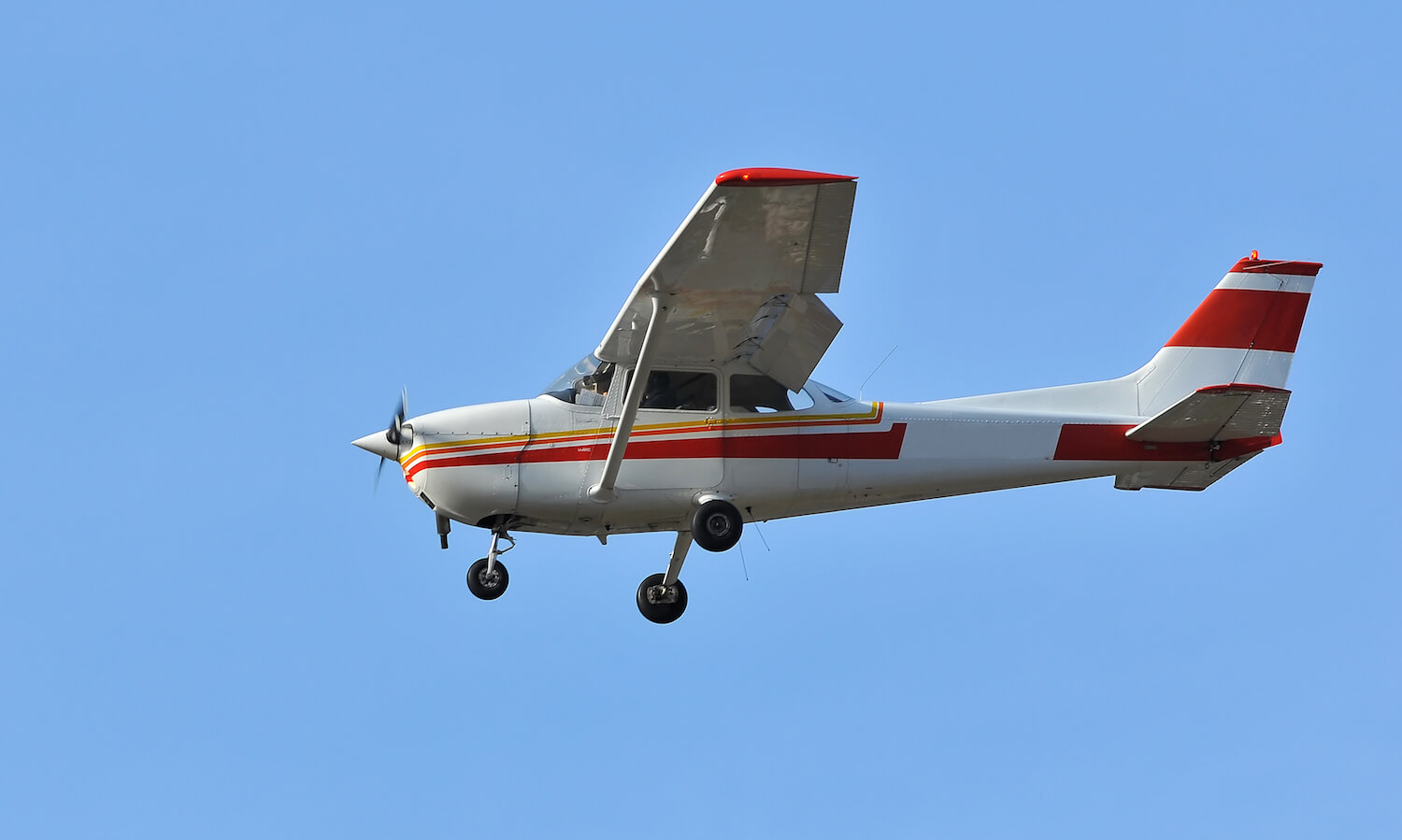 the most popular mass produced aircraft in history. A very popular single engine overwing light aircraft