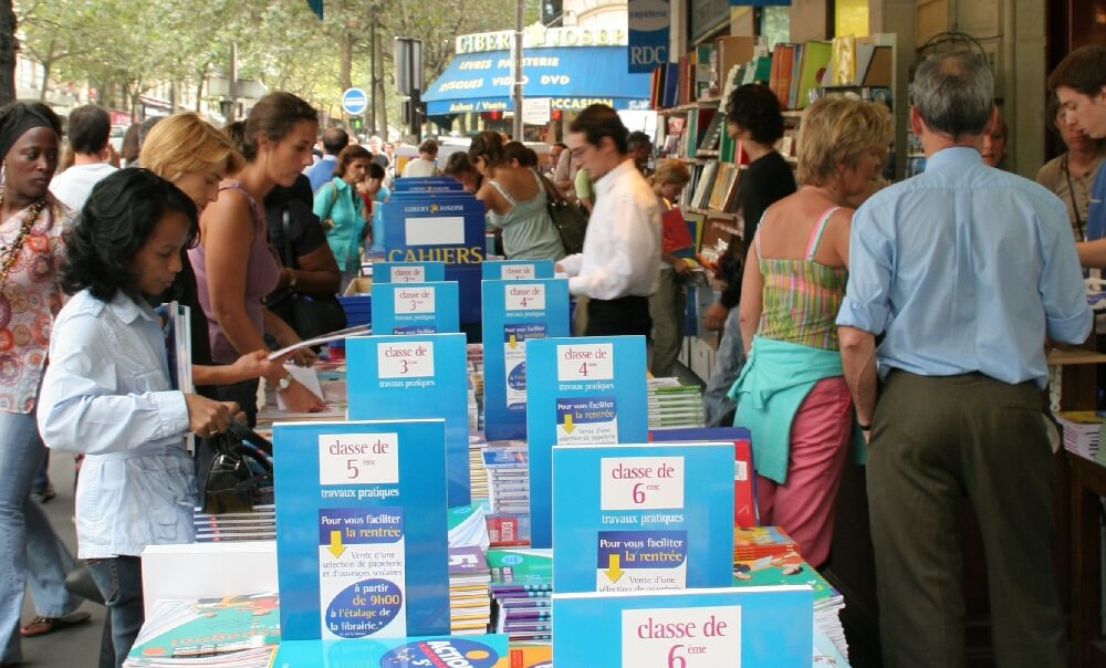 school supplies, books, shops, stores, shopping, Paris, France, Crowds, People