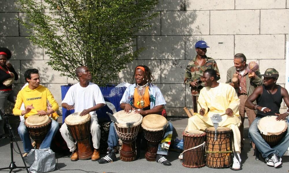 Paris Plage, Le Bassin de Paris Plage, festivals, celebrations, musicians, performers, drums, Paris, France, Caucasians, Groups, African, People