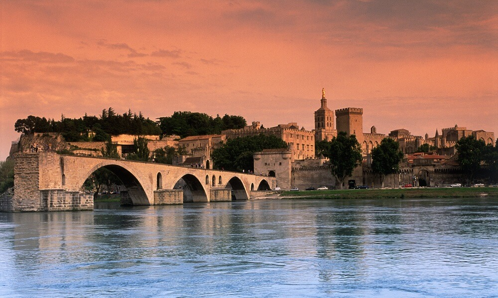 Bridge and Palais des Papes in Avignon, France