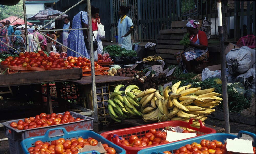 Fruit and vegetable market in Martinique