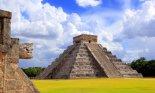 Chichen Itza snake and Kukulkan Mayan temple pyramid Mexico Yucatan