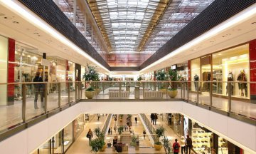 Passage in multilevel shopping mall